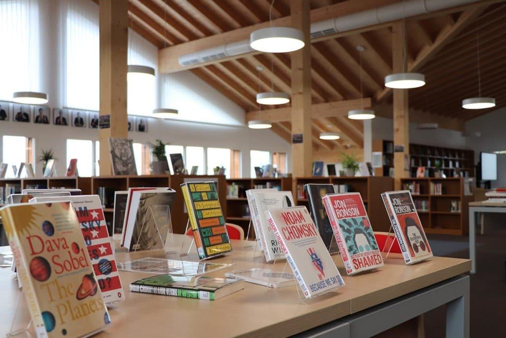 Case Study: Le Régent College Library